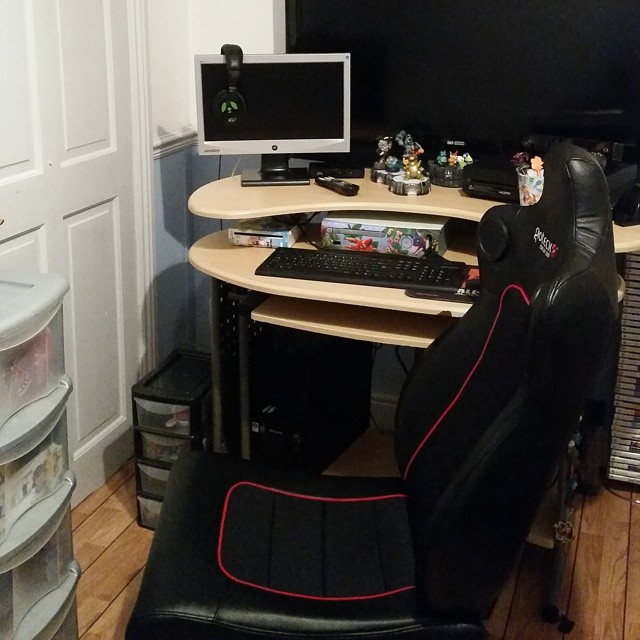 New and improved gaming area #Gioteckgamingchair #Gioteck #Consoles