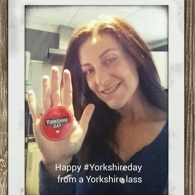 It's Yorkshireday in England. Time to drink some Yorkshire tea ha! #lifestyle #Yorkshireday #selfietime #selfies @yorkshiretea