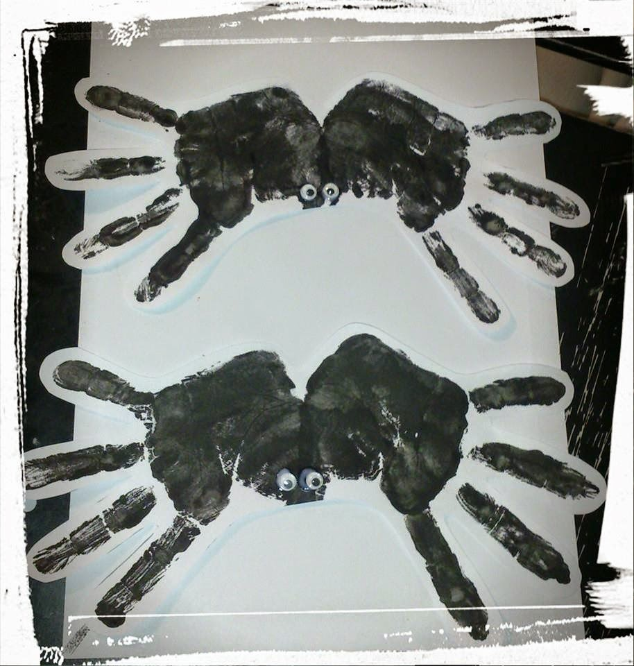 Halloween Hand Print Spiders tutorial