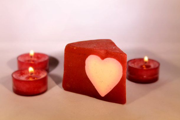 Lush Limited Edition Valentine's Day 2015 Collection Cupids Love Handmade Soap £4.25 per 100g