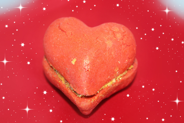 Lush Limited Edition Valentine's Day 2015 Collection Heartthrob Bubble Bar £3.65 each