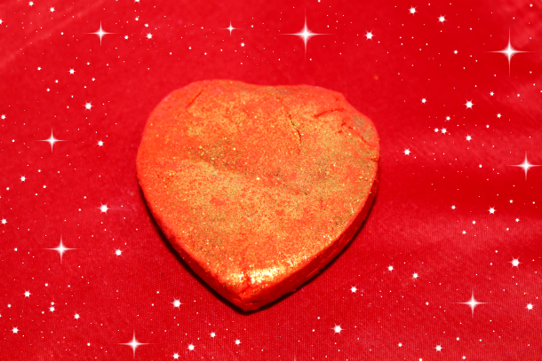 Lush Limited Edition Valentine's Day 2015 Collection Lonely Heart Bubble Bar £3.50 each