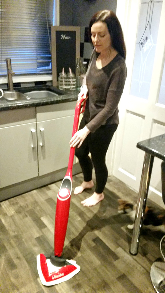Vileda Spray Mop Hot 100˚C  In use