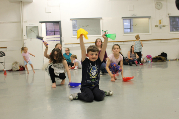 """Family Movies - Annie Dance Workshop """"It's a hard knock life"""" Kids dancing"""