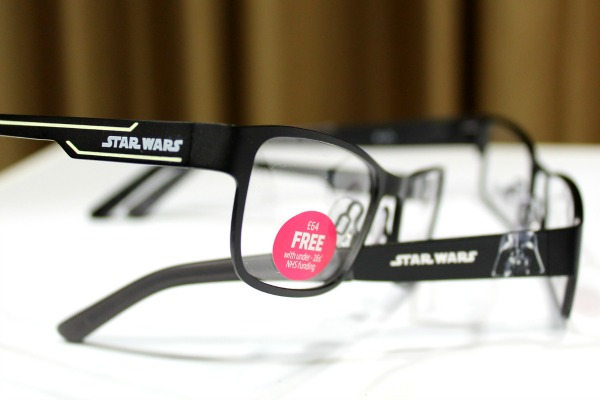 Disney Glasses - Star Wars Glow in the dark glasses