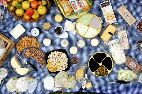 Summer Picnicking: The Essentials!