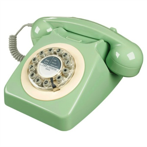 Wild-and-Wolf-746-Phone-Swedish-Green-600
