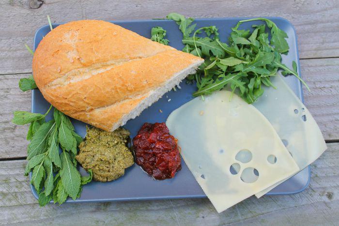 Cheesy Pesto Ingredients