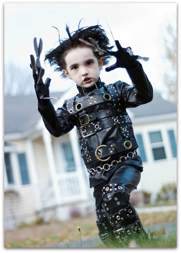 Easy-DIY-Halloween-Costumes-Edward-Scissor-Hands