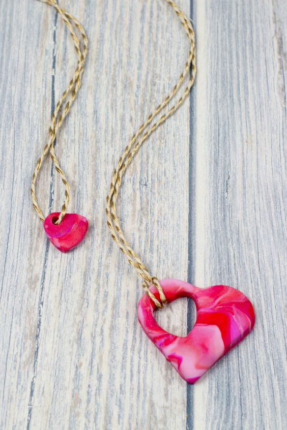Mothers Day Craft Ideas - Make your own Heart Shaped Necklace