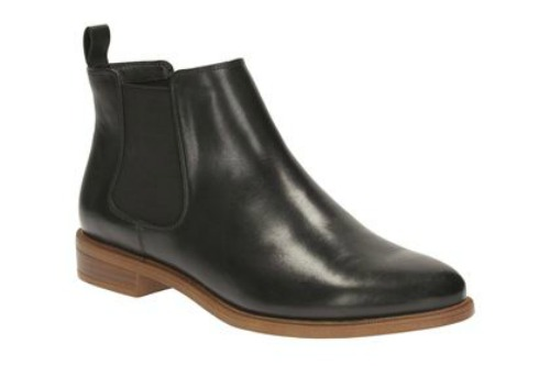 FOOTWEAR INSPIRATION -Clarks Taylor Shine Black Leather
