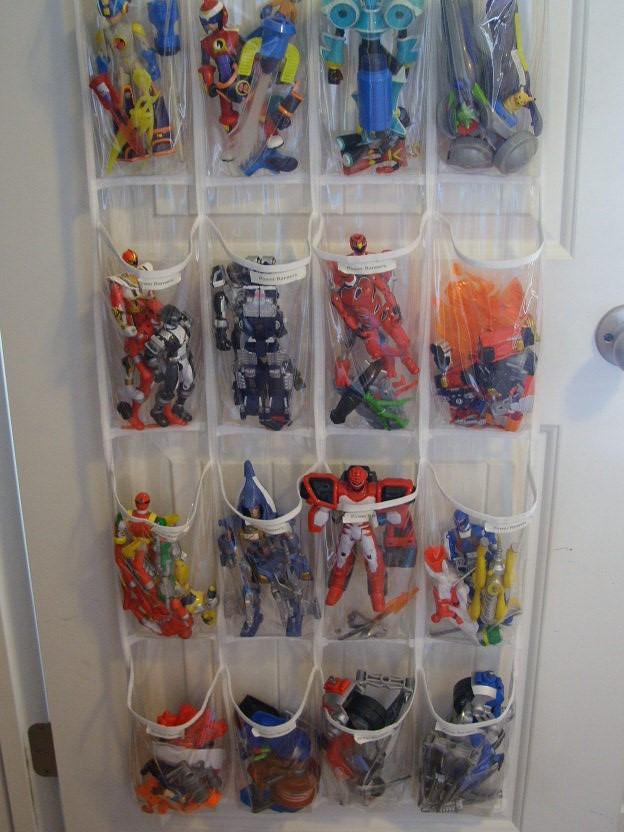 SuperHero-Figure-Organiser