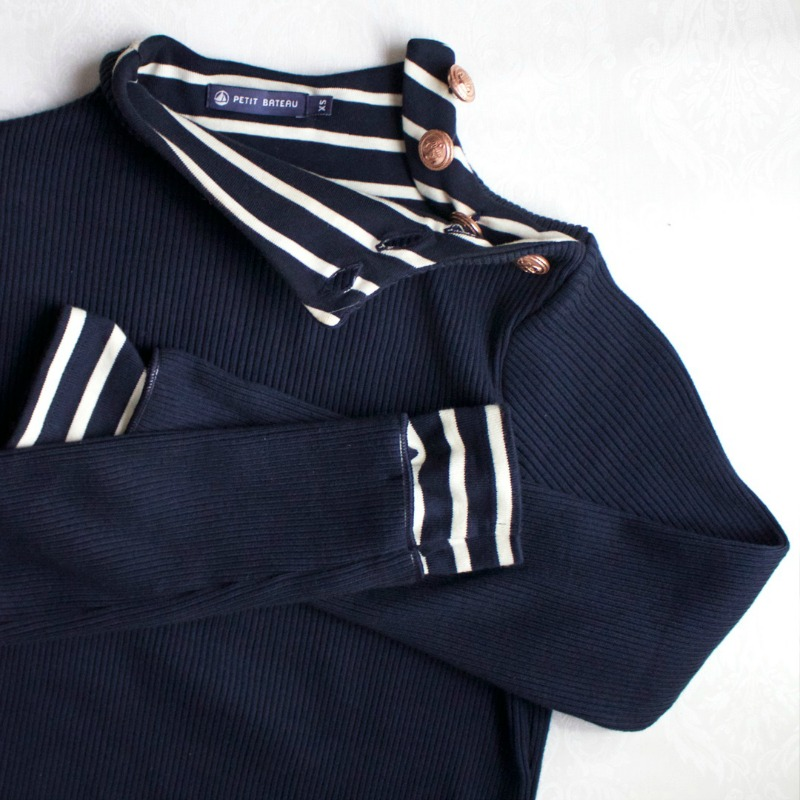 petit-bateau-for-stylish-ladies-french-fashion-jumper-close-up